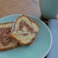 Backrezept für einen saftigen Marmorkuchen mit Butter. Ein Genuss zum Kaffee! Der Teig für den Marmorkuchen kann auch in einer Gugelhupf-Form gebacken werden.